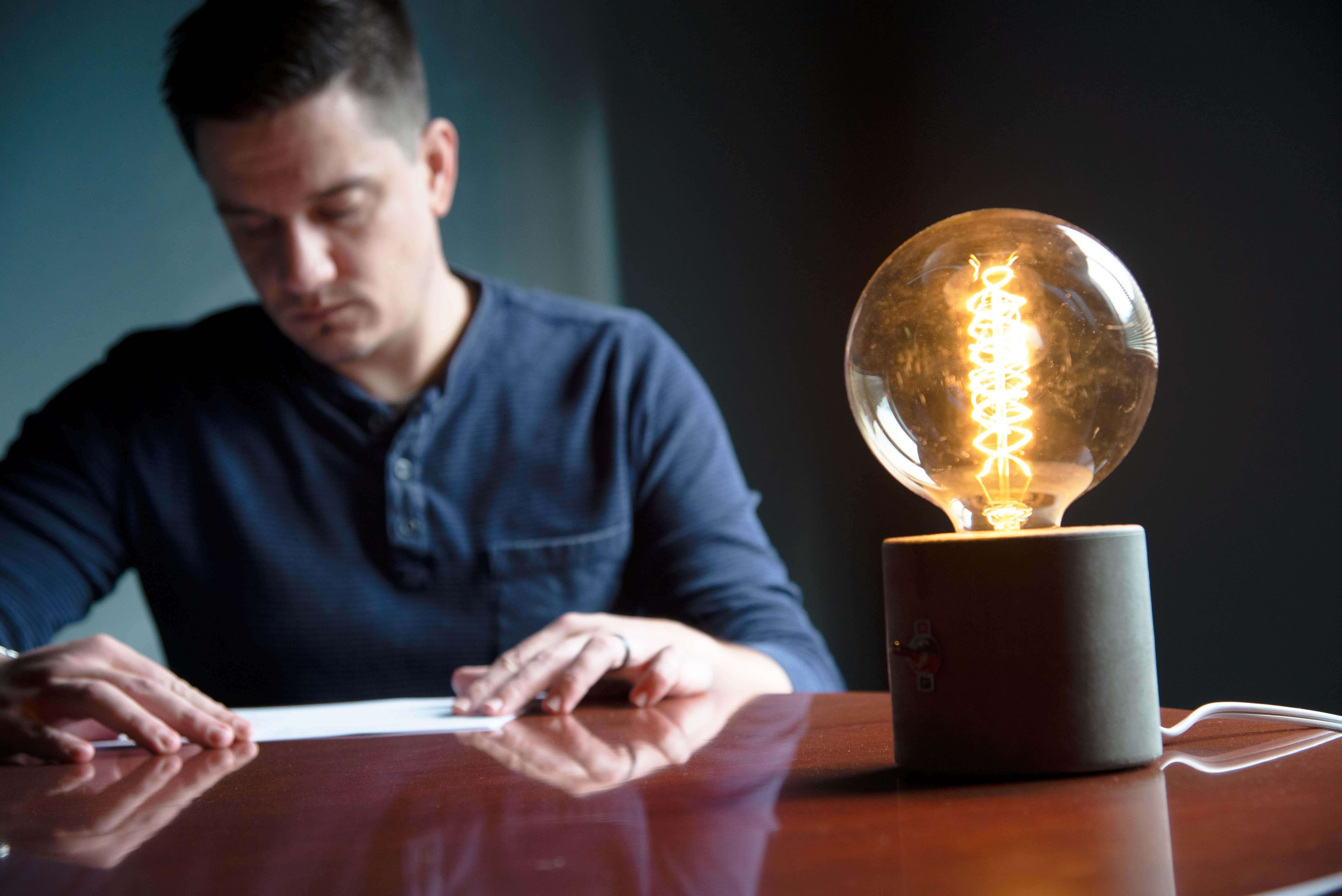 concrete-lightbulb-desk