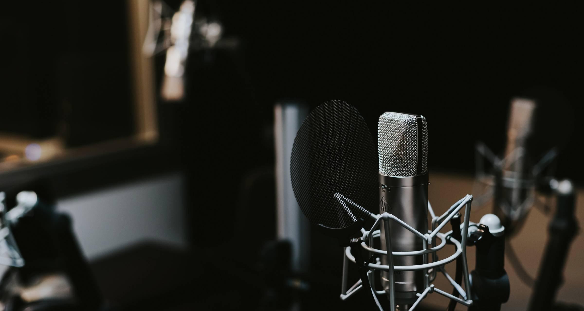 comcast-remote-dj-microphones