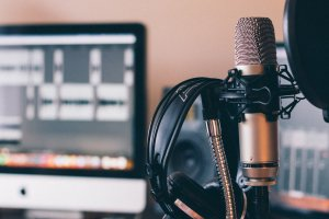 podcasting microphone and headset